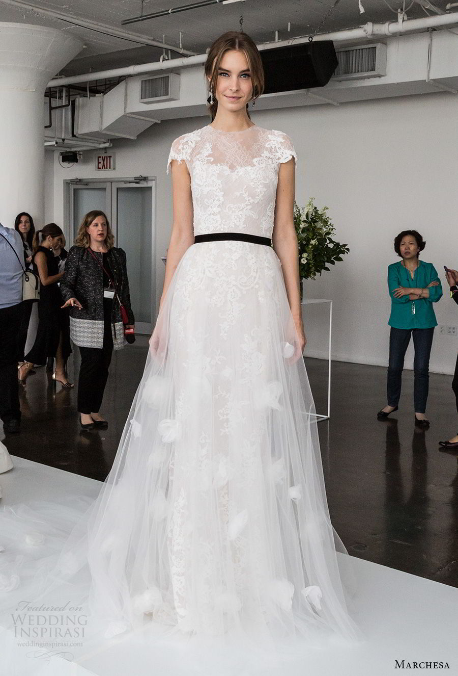 marchesa spring 2018 bridal cap sleeves illusion jewel sweetheart neckline heavily embellished bodice tulle skirt romantic a  line wedding dress sheer lace back chapel train (05) mv