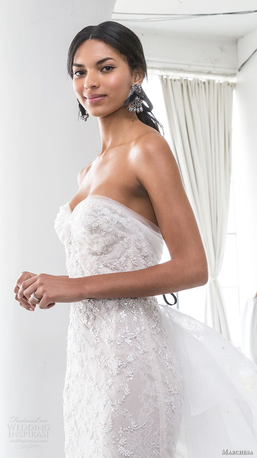 marchesa spring 2018 bridal strapless sweetheart neckline full embellishment elegant romantic sheath wedding dress sweep train (06) zv