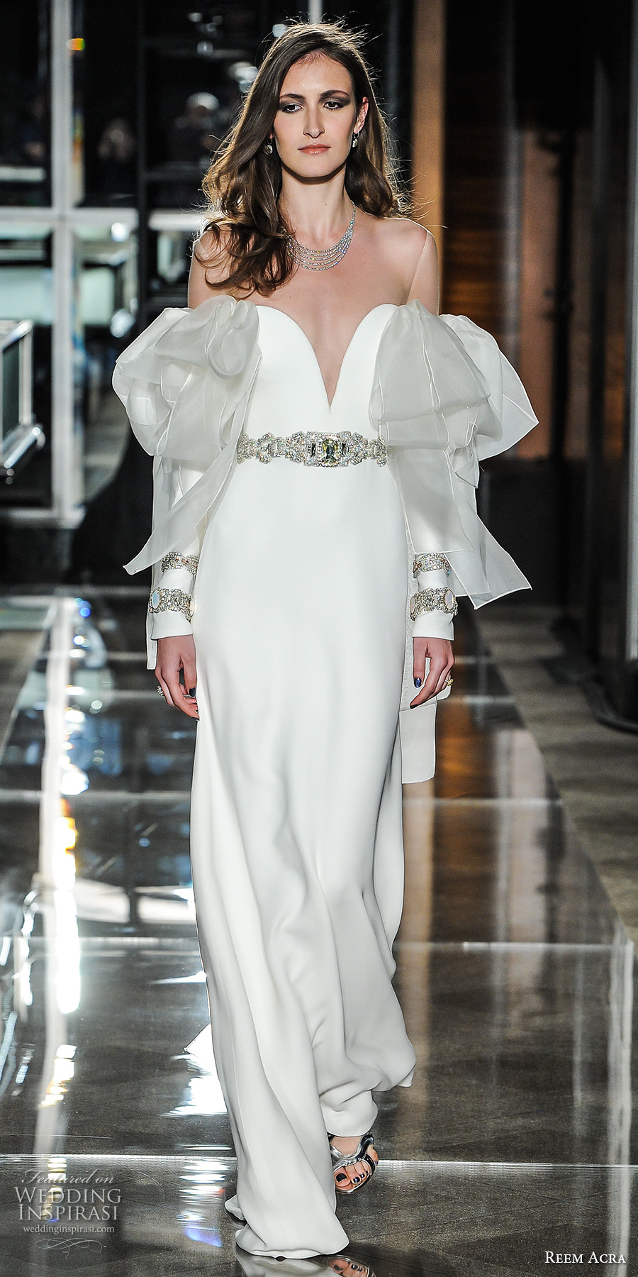 reem acra spring 2018 bridal cold shoulder sleeves deep plunging sweetheart neckline simple clean chic elegant sheath wedding dress sweep train (07) mv