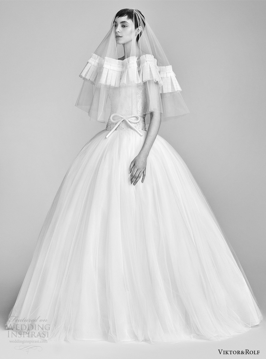 viktor and rolf spring 2018 bridal cap strapless sweetheart beaded bodice drop waist ball gown wedding dress (11) mv pocket romantic