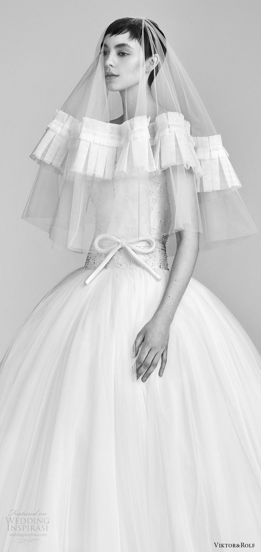 viktor and rolf spring 2018 bridal cap strapless sweetheart beaded bodice drop waist ball gown wedding dress (11) zv pocket romantic