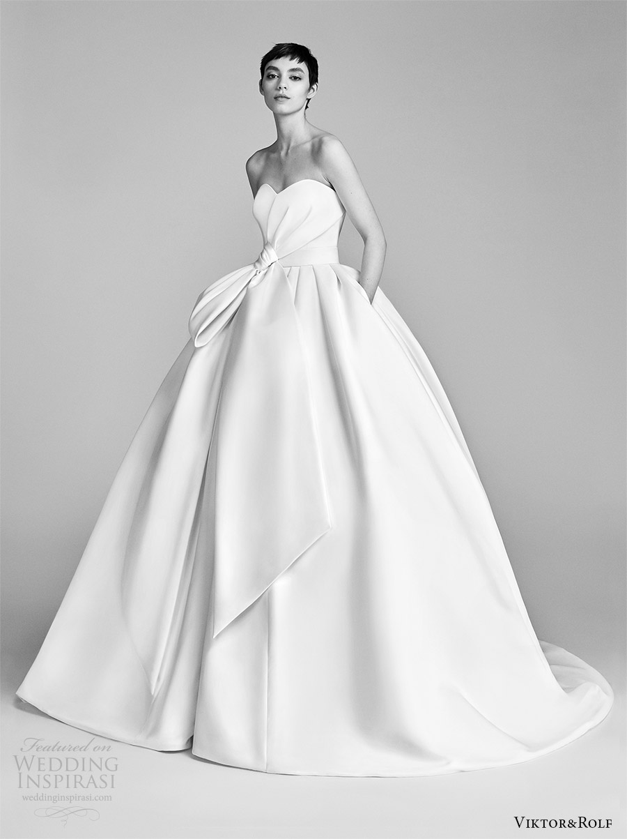 Viktor And Rolf Spring 2018 Bridal Strapless Sweetheart Bow Waist Ball Gown Wedding Dress 9