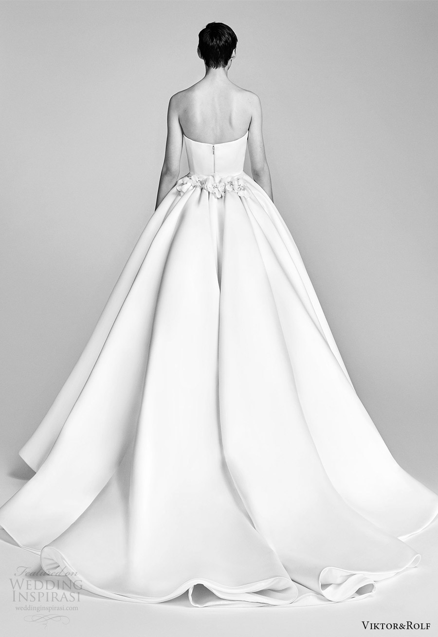 viktor and rolf spring 2018 bridal strapless sweetheart embellished neckline ball gown wedding dress (1) bv train romantic