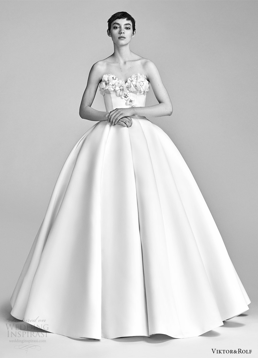 viktor and rolf spring 2018 bridal strapless sweetheart embellished neckline ball gown wedding dress (1) mv romantic