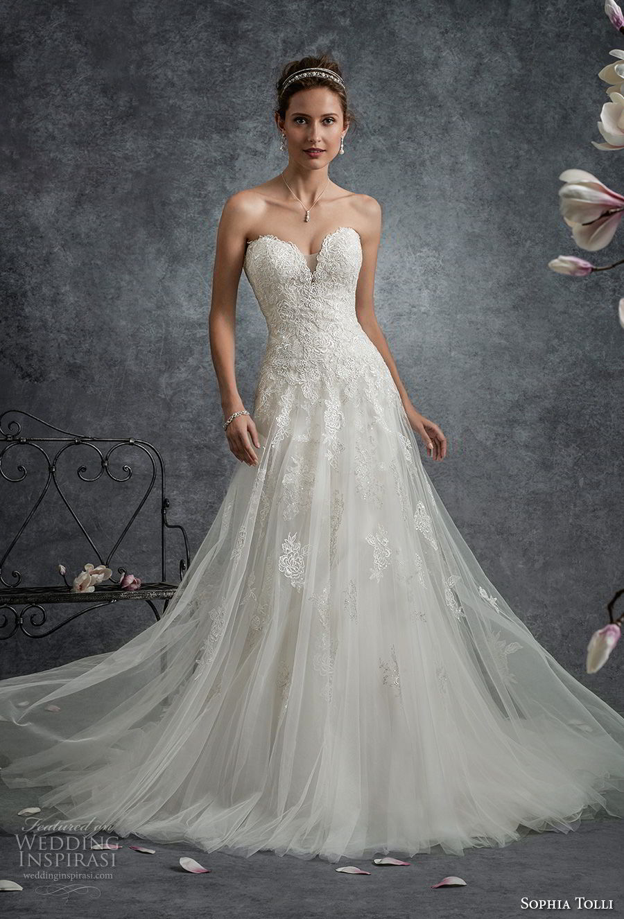 sophia tolli fall 2017 bridal strapless sweetheart neckline heavily embellished bodice romantic a line wedding dress chapel train (10) mv