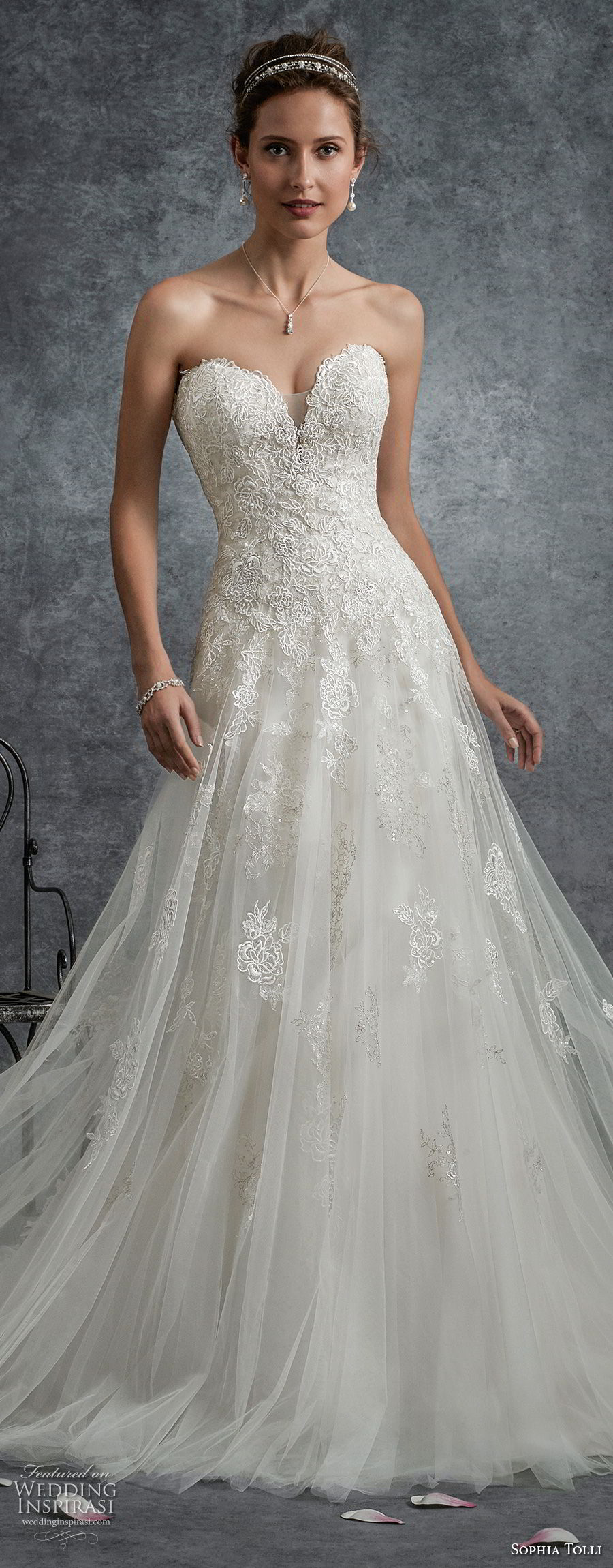 sophia tolli fall 2017 bridal strapless sweetheart neckline heavily embellished bodice romantic a line wedding dress chapel train (10) zv