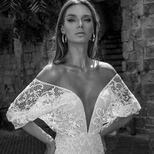 julie vino 2018 bridal wedding inspirasi featured wedding gowns dresses collection