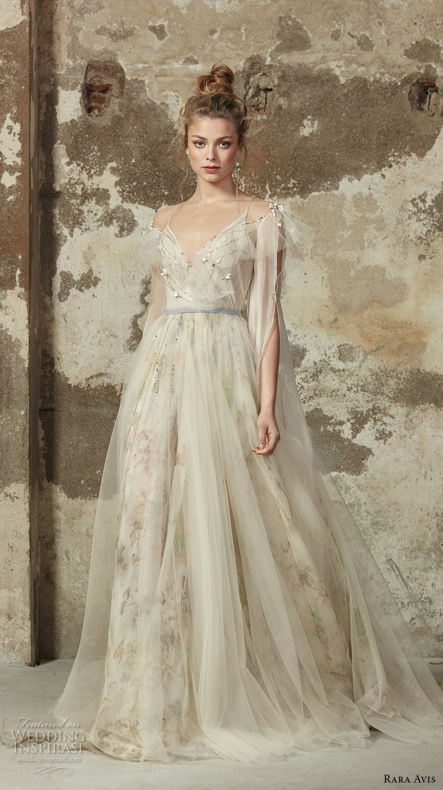 rara avis 2017 bridal hanging sleeves spaghetti strap deep sweetheart neckline tulle bodice tulle skirt champagne romantic soft a line wedding dress open back chapel train (5) mv