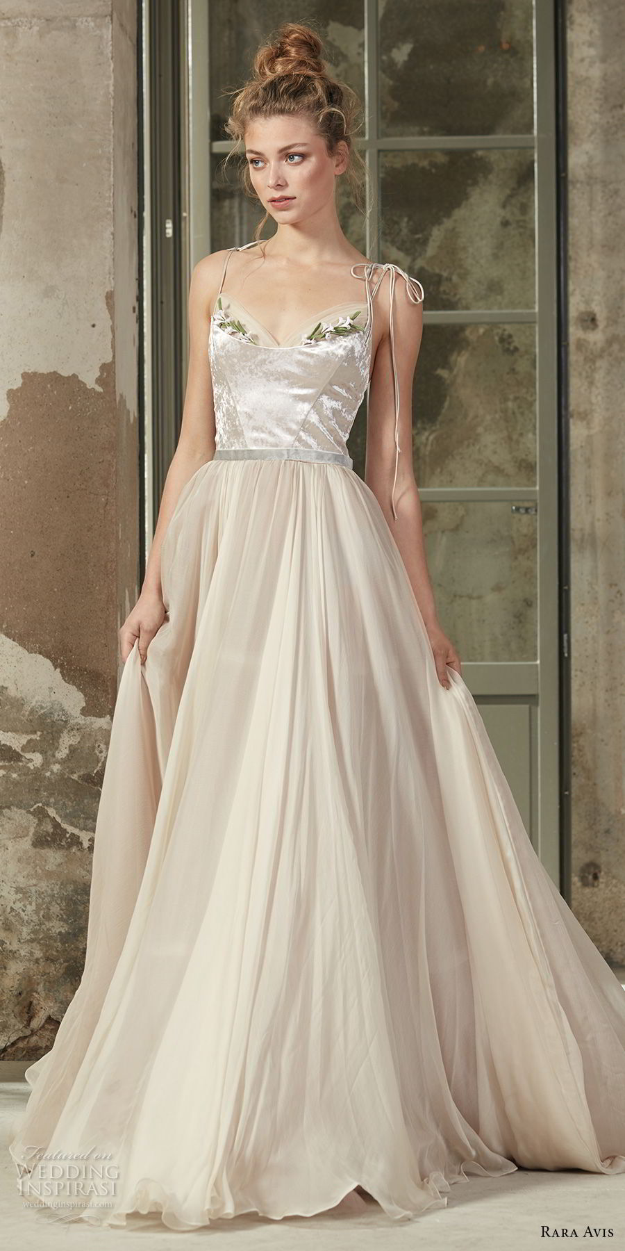 rara avis 2017 bridal sleeveless thin strap sweetheart neckline satin bodice tulle skirt romantic a line wedding dress medium train (20) mv