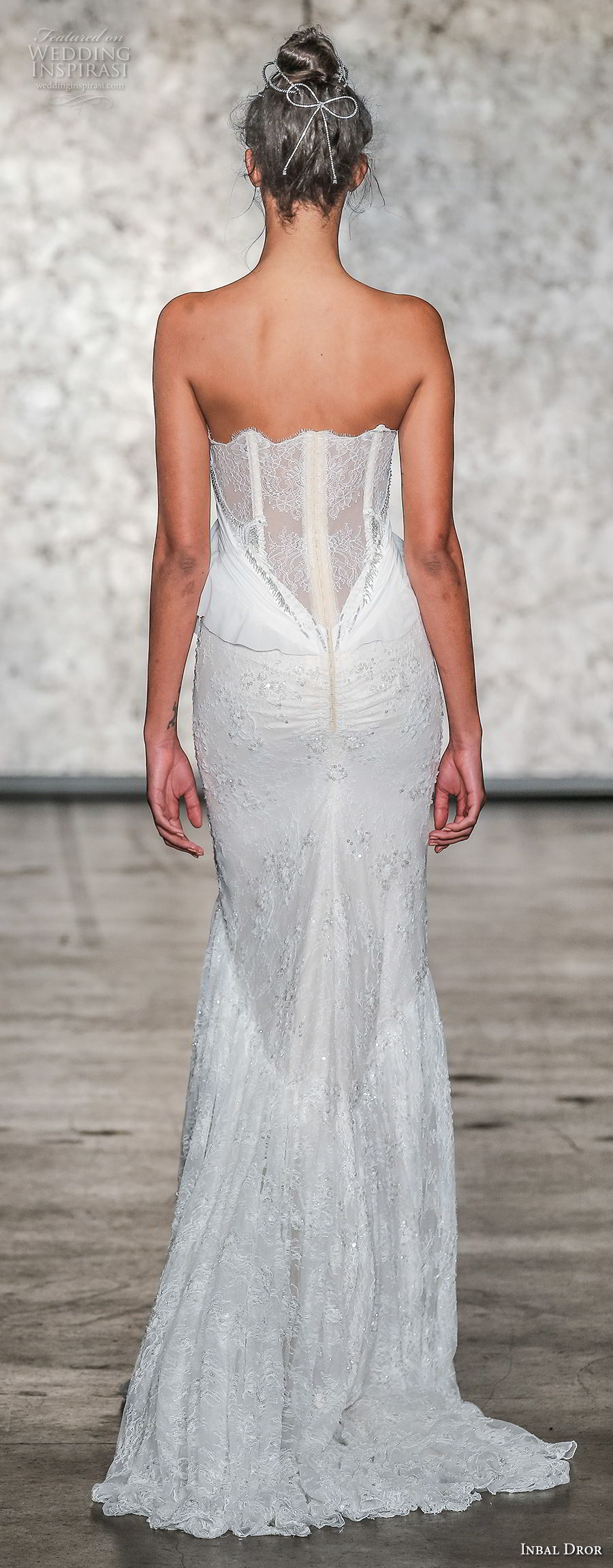 inbal dror fall 2018 bridal strapless sweetheart neckline full embellishment elegant sexy sheath wedding dress sweep train (4) bv
