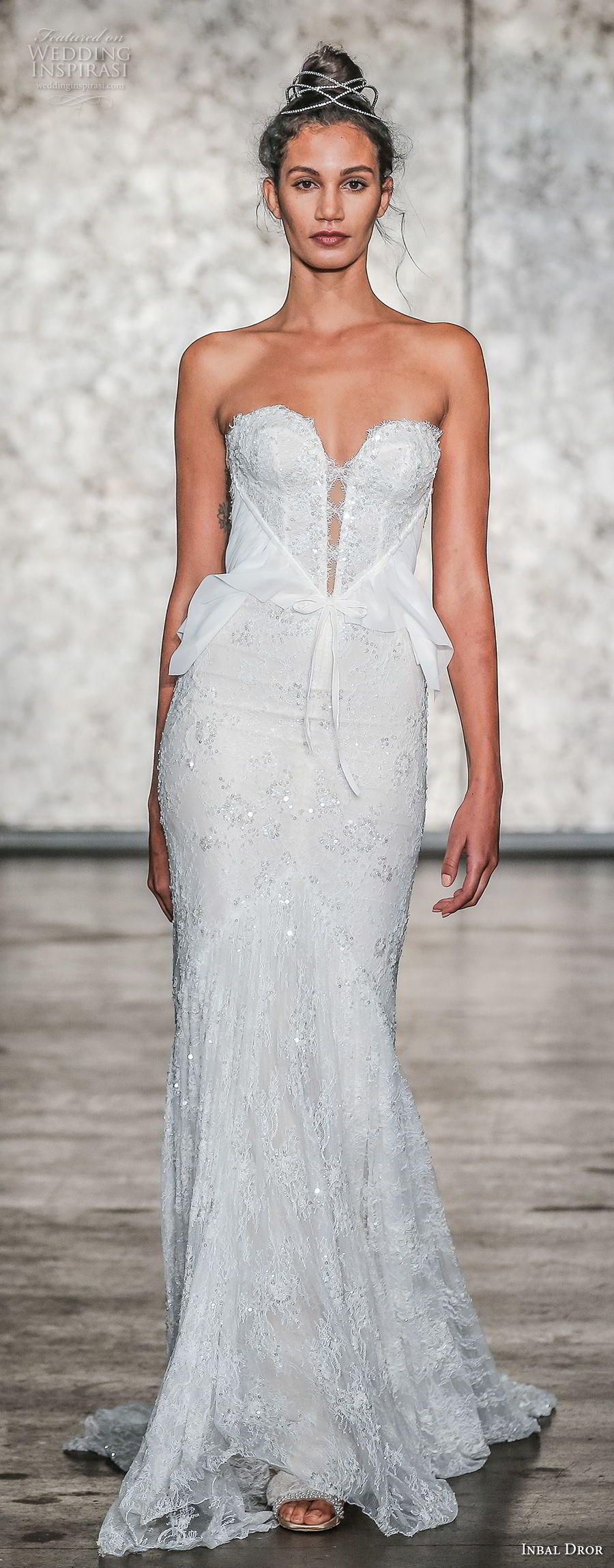 inbal dror fall 2018 bridal strapless sweetheart neckline full embellishment elegant sexy sheath wedding dress sweep train (4) mv