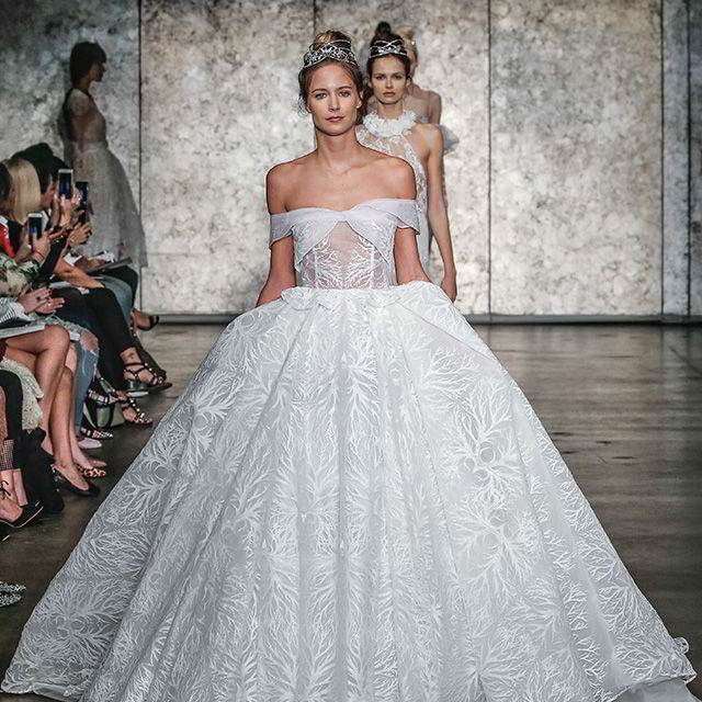 Inbal Dror Fall 2018 New York Bridal Runway Show | Wedding Inspirasi
