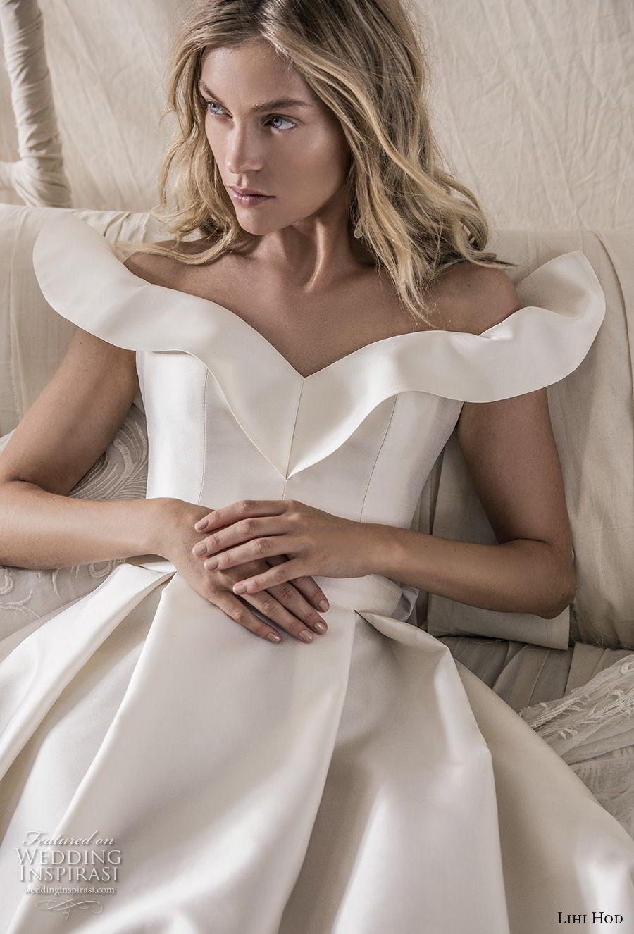 lihi hod 2018 bridal off the shoulder v neck simple clean bodice elegant ball gown a  line wedding dress with pockets chapel train (15) zv