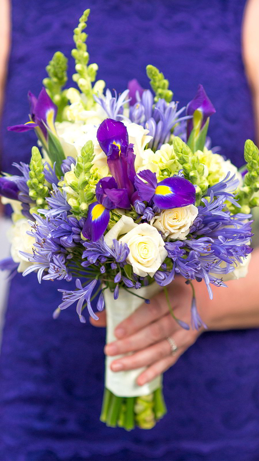 marriott el mangroove guanacaste costa rica honeymoon destination wedding venue purple bouquet wedding theme