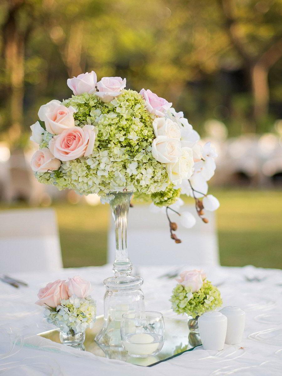 marriott el mangroove guanacaste costa rica honeymoon destination wedding venue wedding outdoor table setting centerpiece