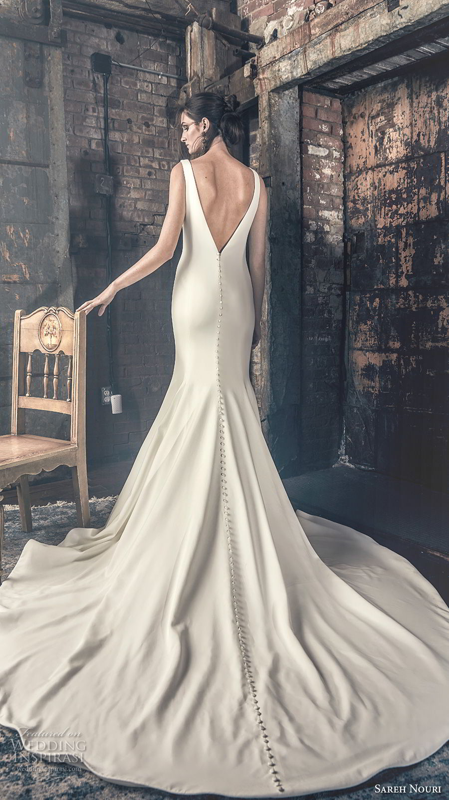 sareh nouri fall 2018 bridal sleeveless bateau neck simple clean elegant classy mermaid wedding dress open v back chapel train (8) bv
