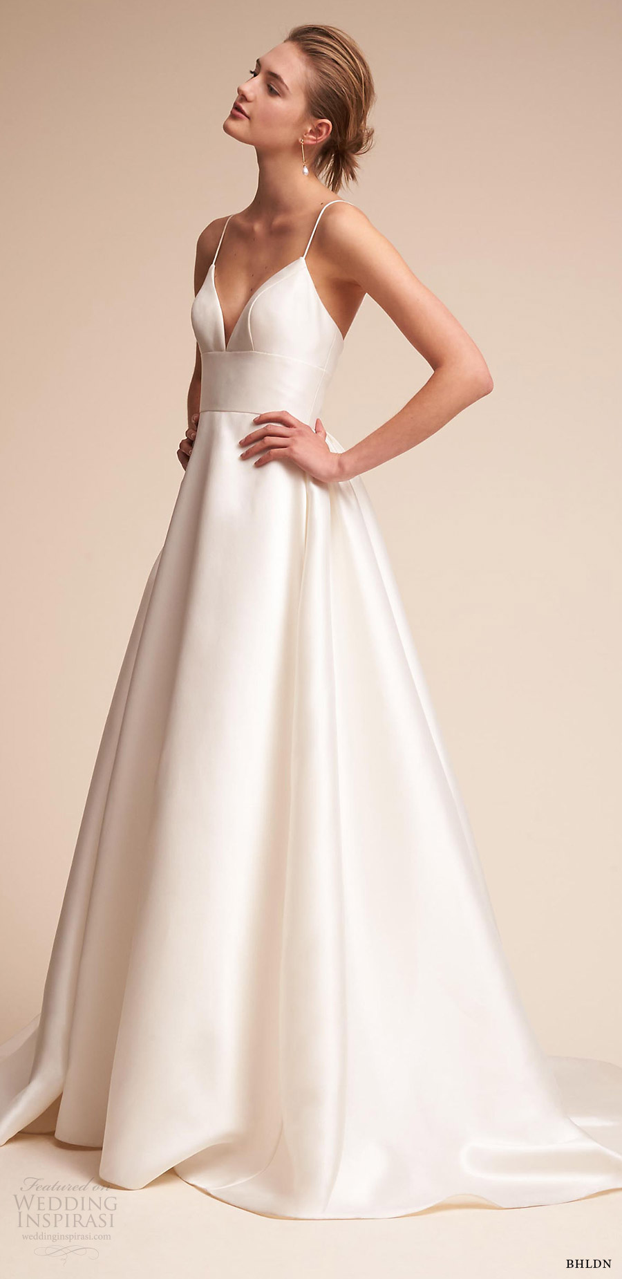 2018 wedding dress trends to love part 2 necklines and for Elegant ball gown wedding dresses