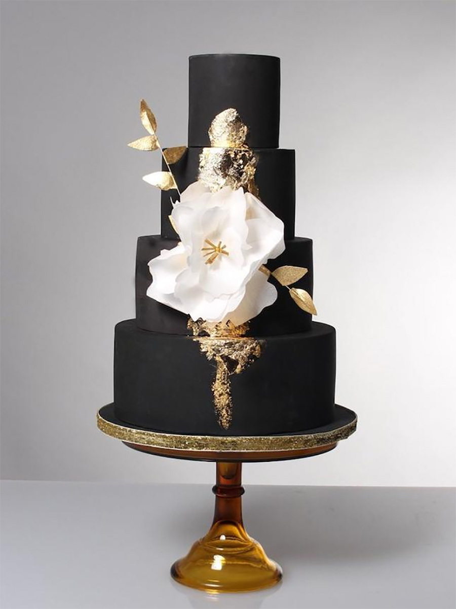 black 4 tier white floral wedding cake (2) mv