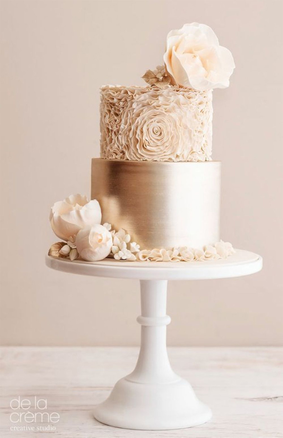 gold 2 tier cream floral wedding cake (26) mv