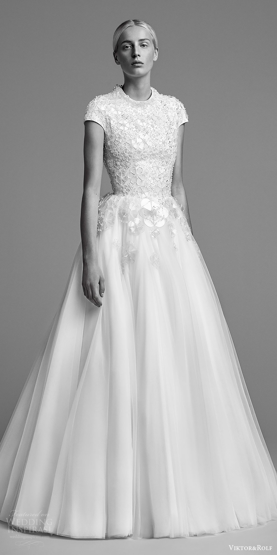 Viktor And Rolf Fall 2018 Bridal Cap Sleeves Jewel Neck Embellished Bodice A Line Wedding Dress