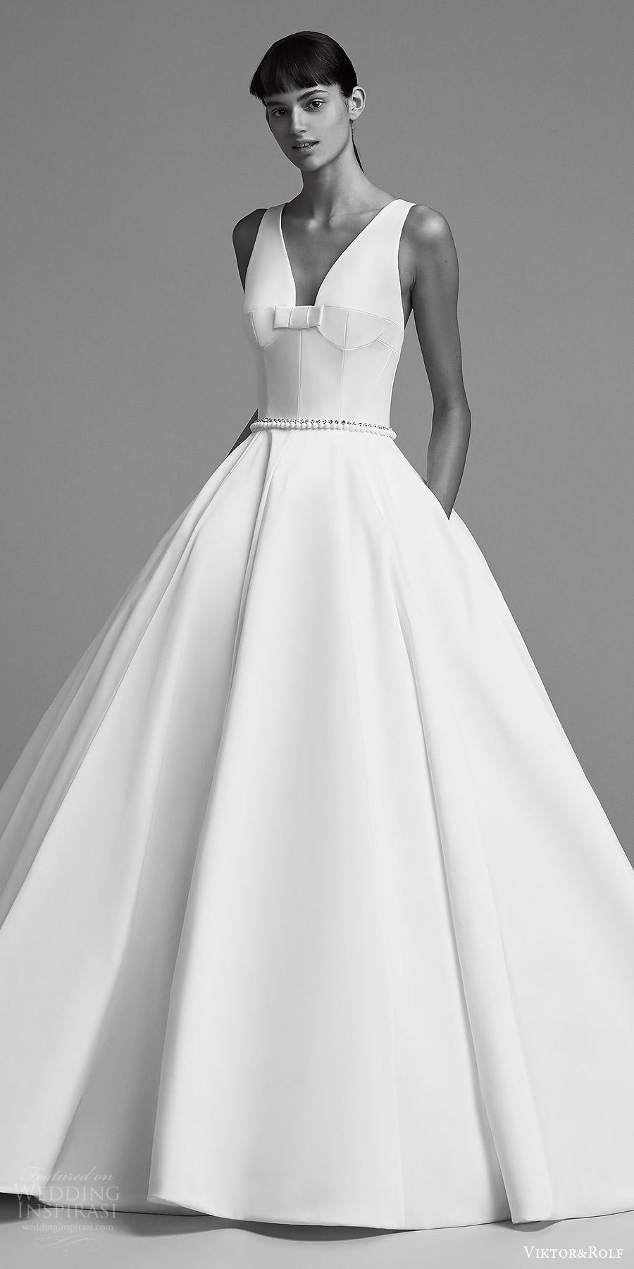 viktor and rolf fall 2018 bridal sleeveless v neck minimal ball gown wedding dress (8) v pockets minimal clean modern romantic