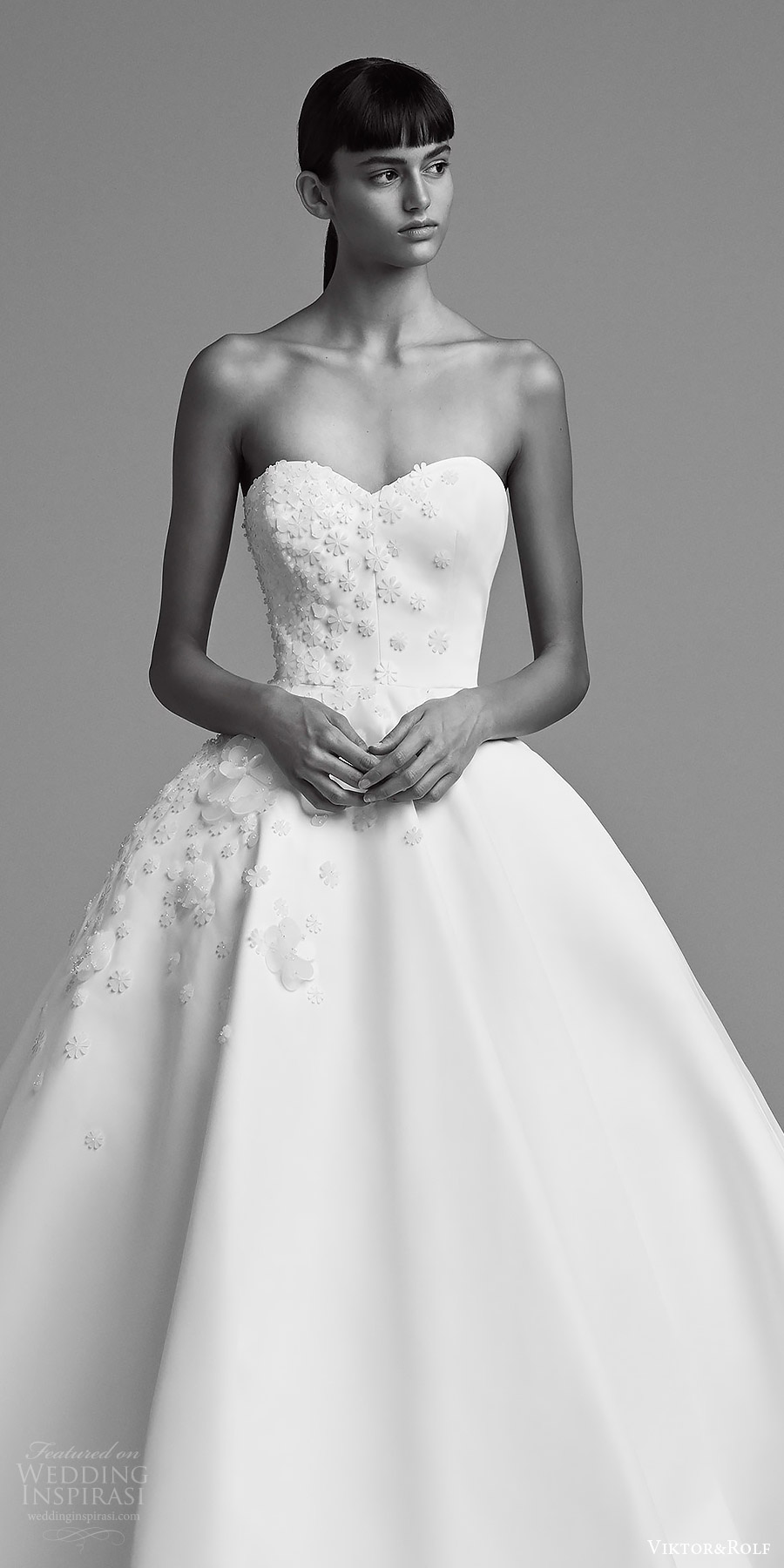 viktor and rolf fall 2018 bridal strapleass sweetheart embellished bodice ball gown wedding dress (20) zv romantic modern