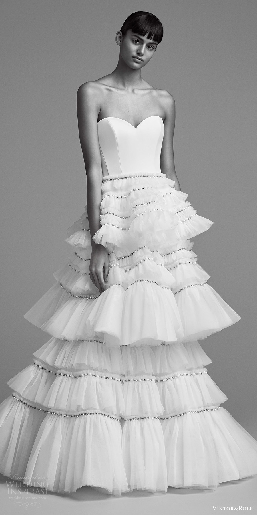 viktor and rolf fall 2018 bridal strapless sweetheart tiered skirt a line mermaid wedding dress (7) mv romantic modern