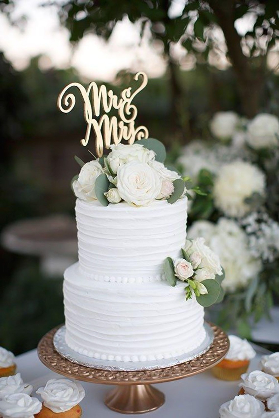 white 2 tier white floral wedding cake (13) mv