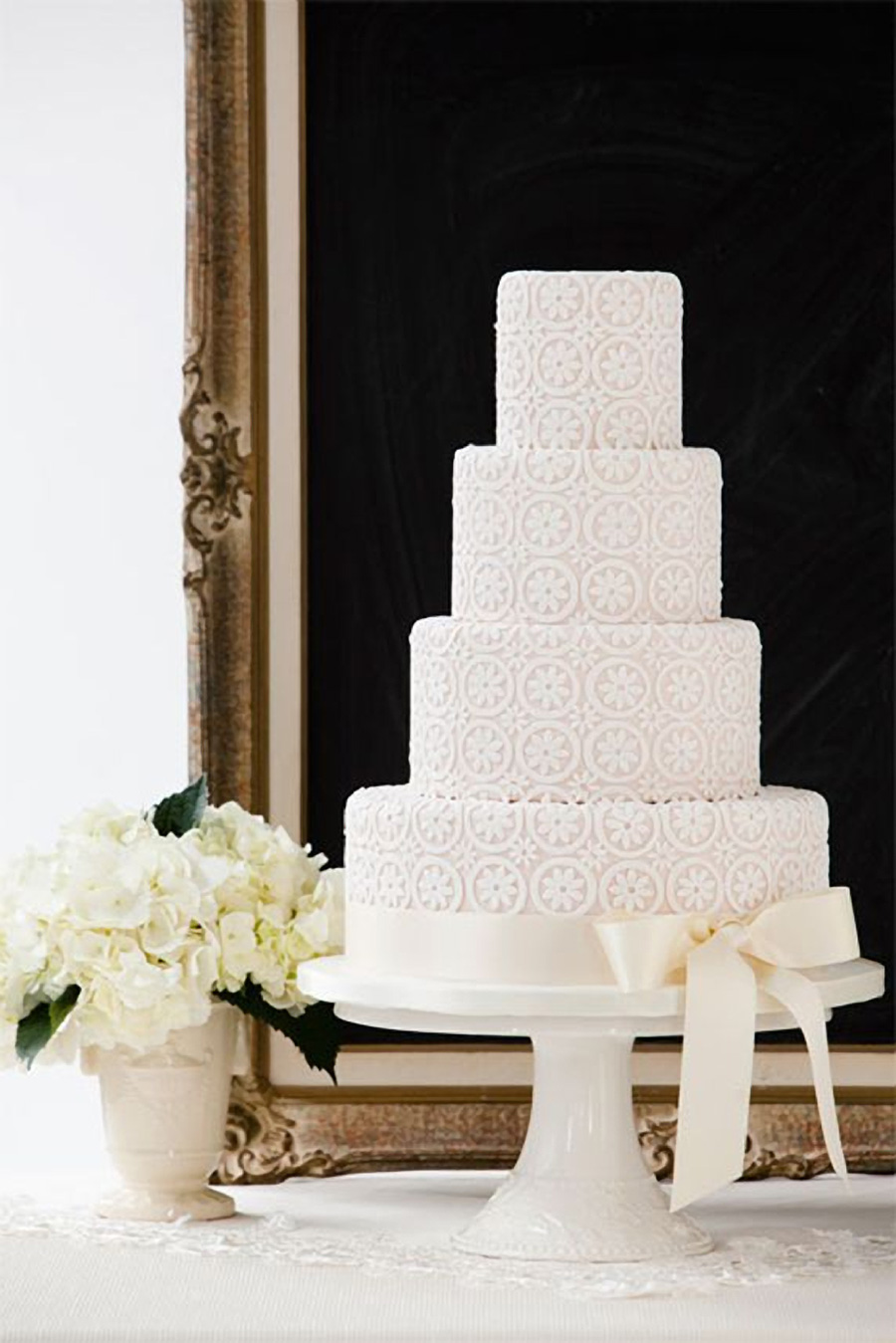 white 4 tier white pattern wedding cake (25) mv