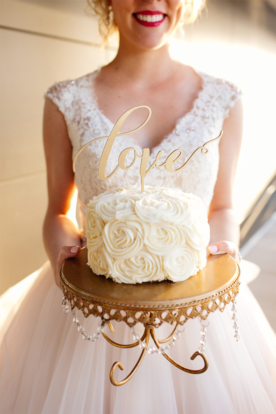 white cream single tier wedding cake (27) mv