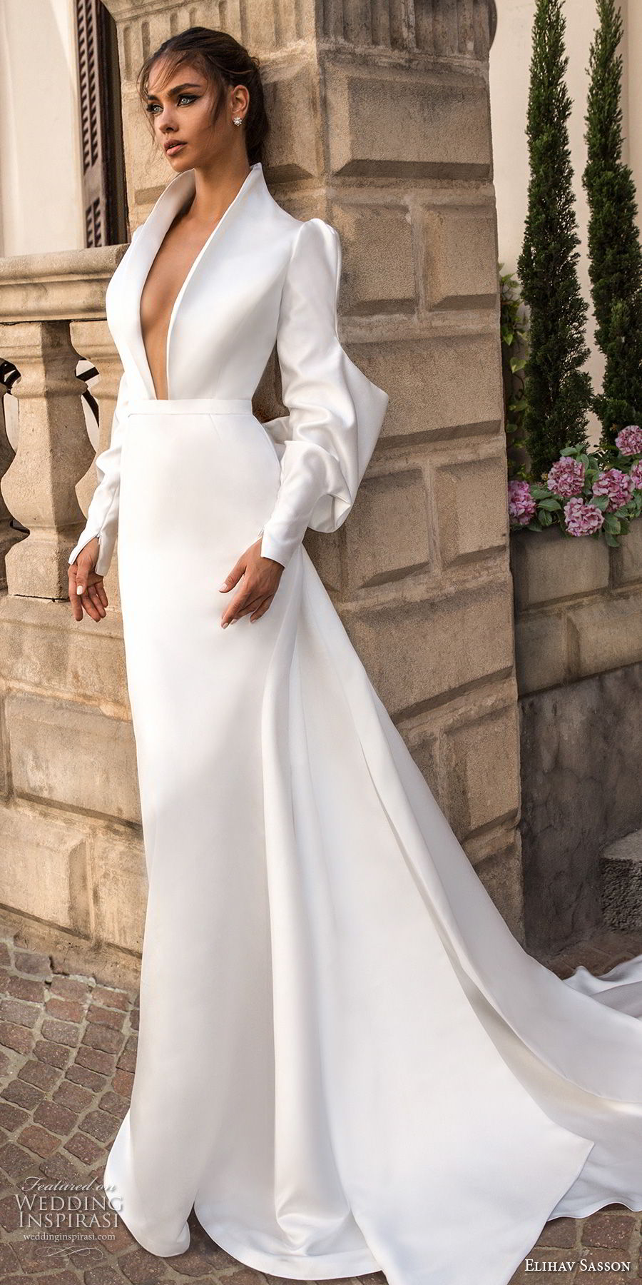 elihav sasson 2018 capsule bridal long mutton sleeves queen anne plunging v neck simple clean modern sheath wedding dress keyhole back long train (15) mv