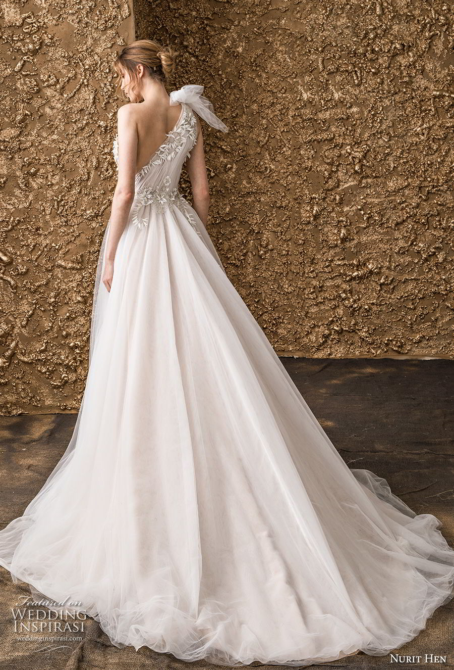 nurit hen 2018 bridal one shoulder ruched bodice tulle skirt romantic soft a  line wedding dress chapel train (3) bv