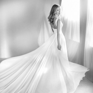 atelier pronovias 2018 bridal wedding inspirasi featured wedding gowns dresses collection