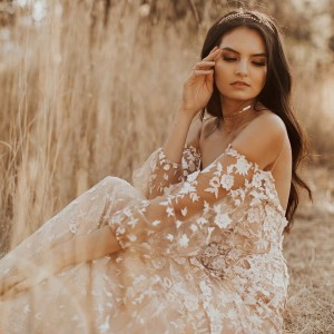 tara lauren spring 2018 bridal wedding inspirasi featured wedding gowns dresses collection
