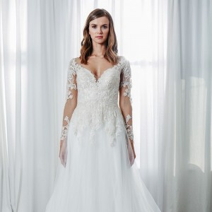 kelly faetanini spring 2019 bridal wedding inspirasi featured wedding gowns dresses and collection
