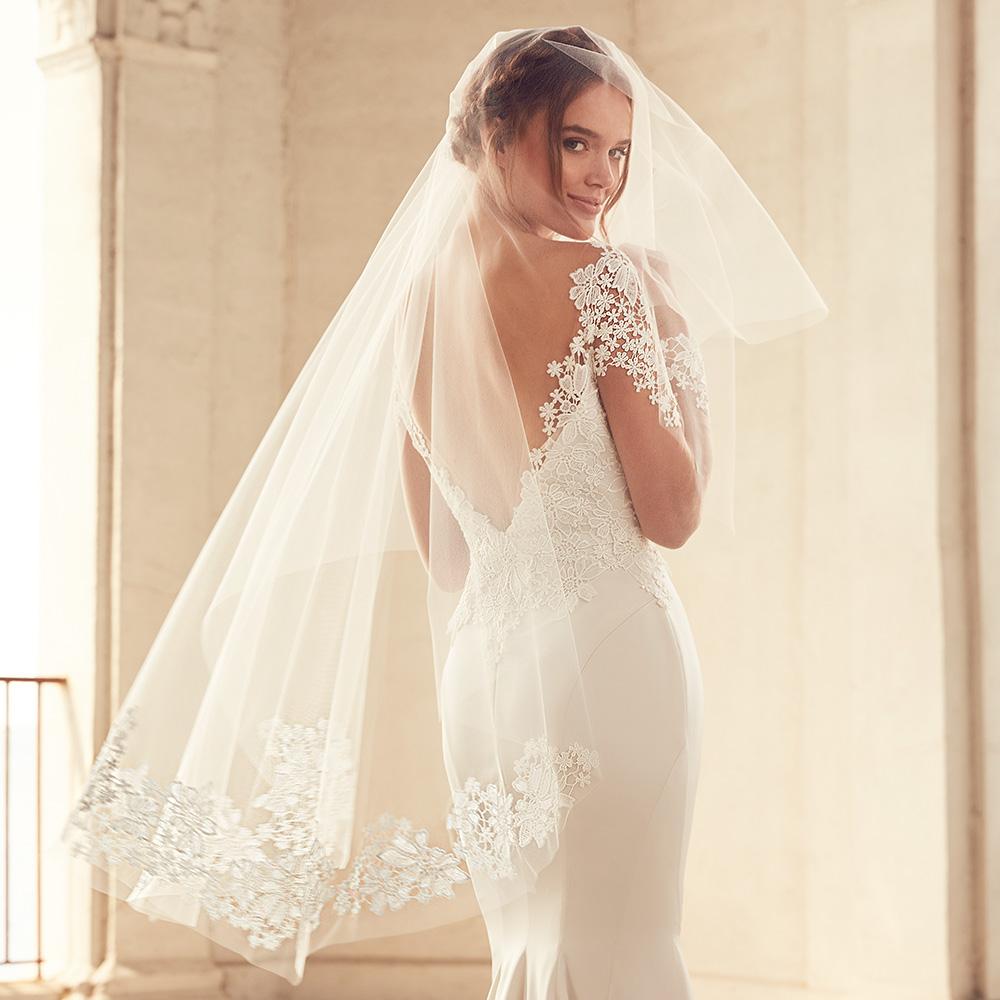 Paloma blanca spring 2018 wedding dresses wedding inspirasi for Spring 2018 wedding guest dresses