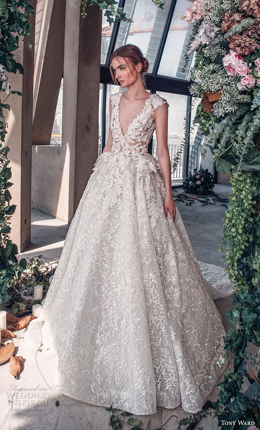 15 regal wedding dresses fit for a royal wedding bridalpulse 15 regal wedding dresses fit for a royal wedding junglespirit Images