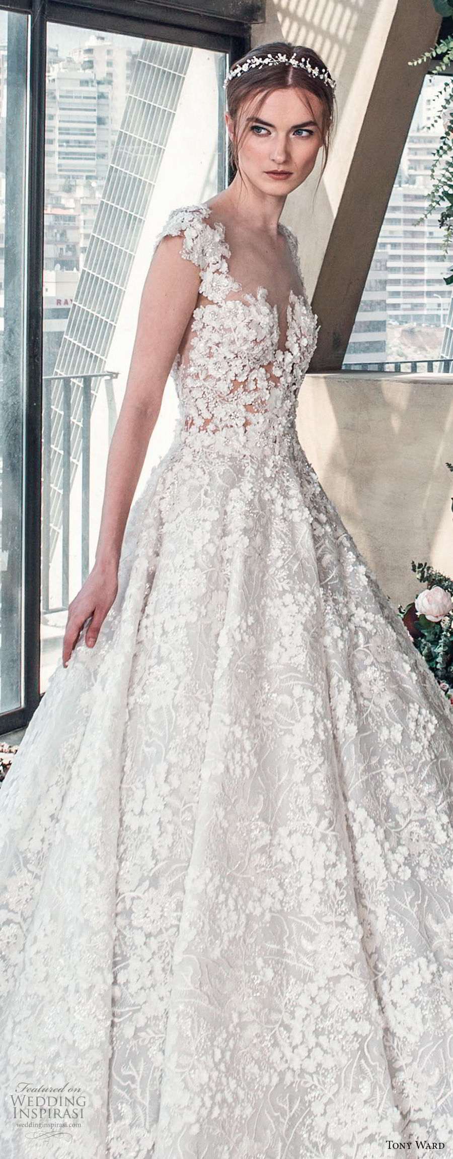 tony ward mariee 2019 cap sleeves sweetheart neckline full embellishment romantic princess ball gown a  line wedding dress chapel train (6) zv