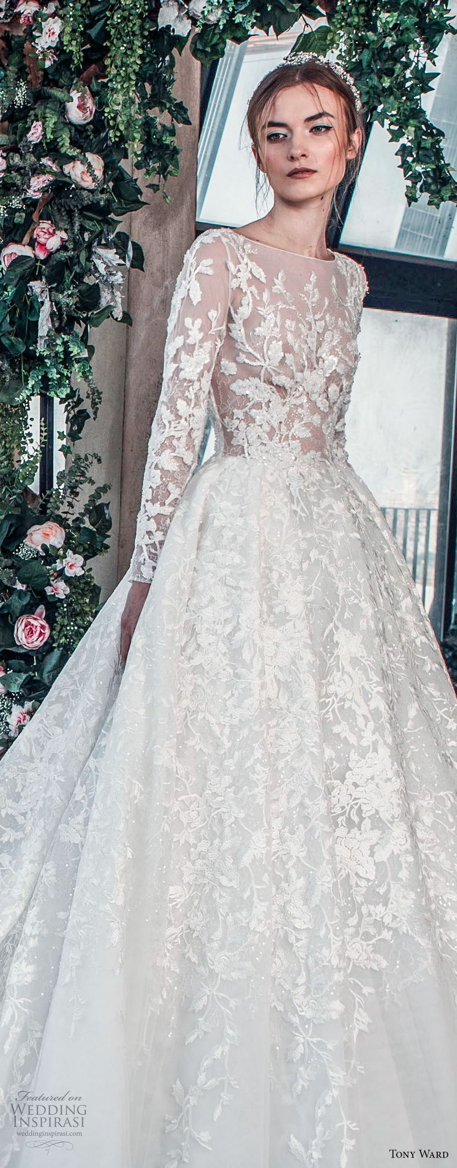 tony ward mariee 2019 long sleeves bateau neck full embellishment romantic princess a  line wedding dress royal train (8) zv