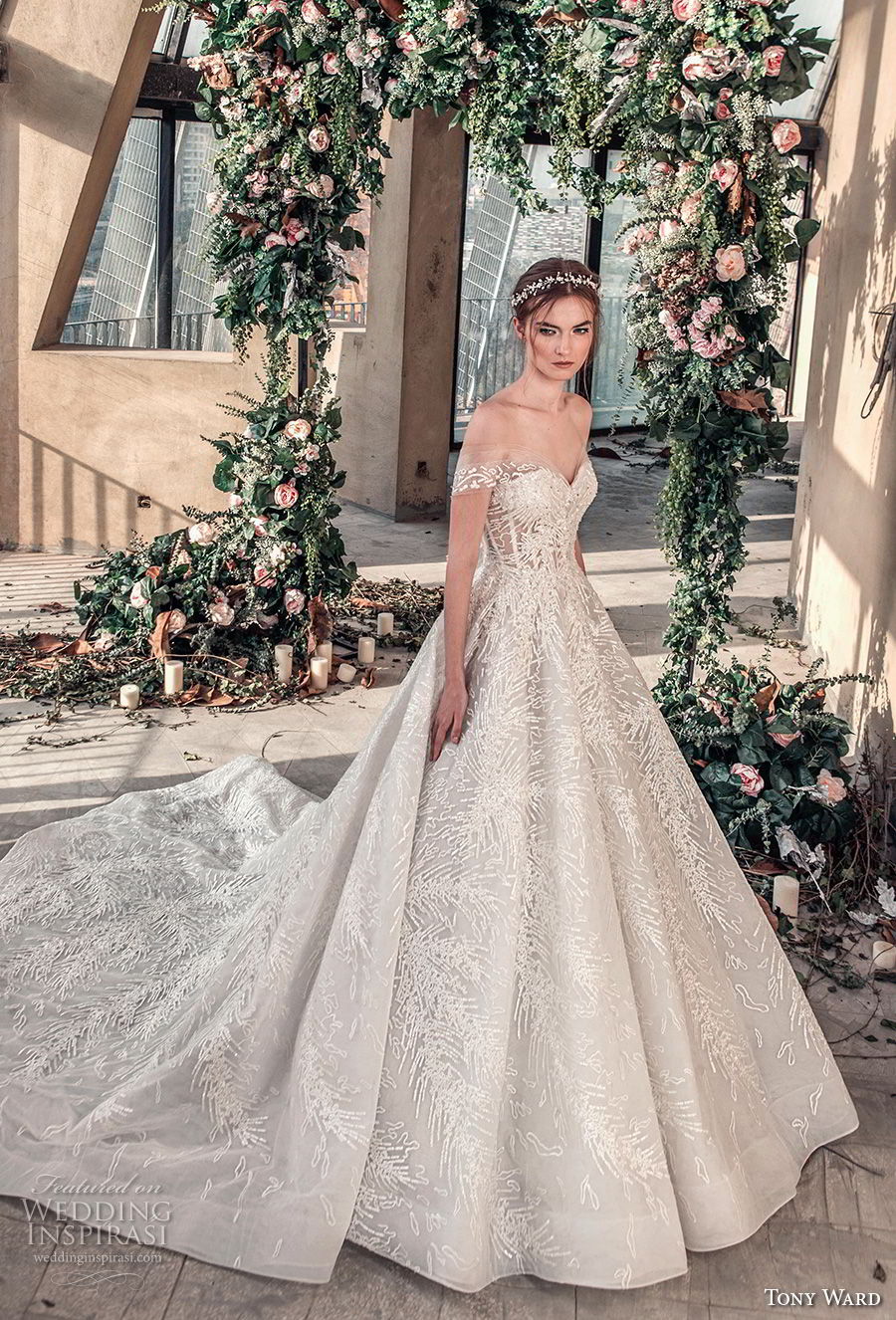 tony ward mariee 2019 off the shoulder sweetheart neckline full embellishment romantic princess ball gown a  line wedding dress chapel train (2) mv