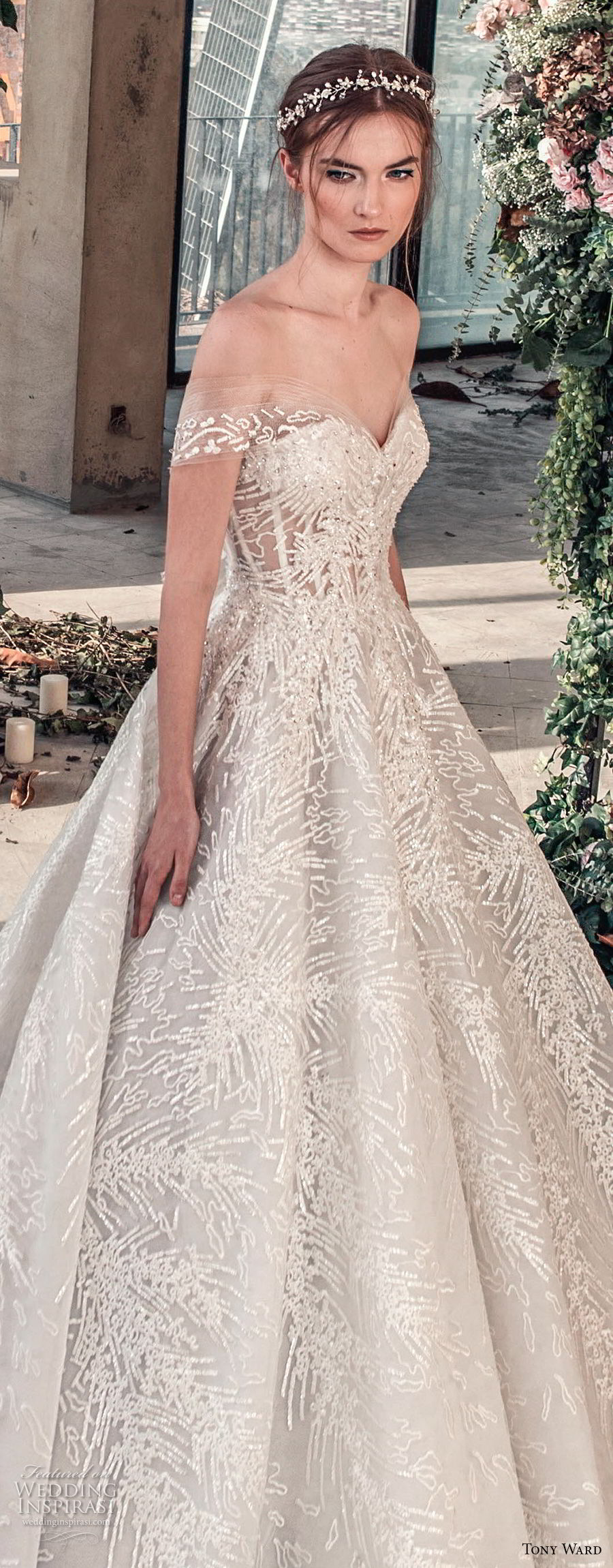 tony ward mariee 2019 off the shoulder sweetheart neckline full embellishment romantic princess ball gown a  line wedding dress chapel train (2) zv