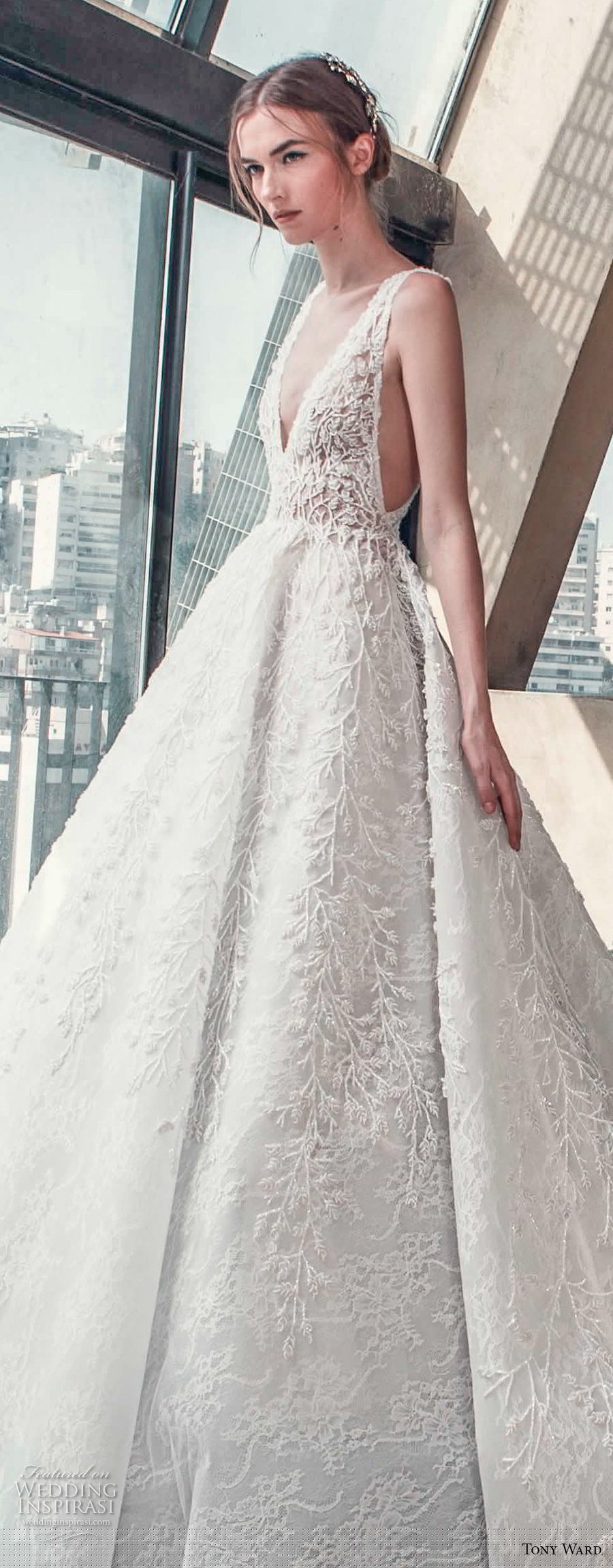 tony ward mariee 2019 sleeveless deep v neck full embellishment open side princess romantic a  line wedding dress chapel train (4) zv