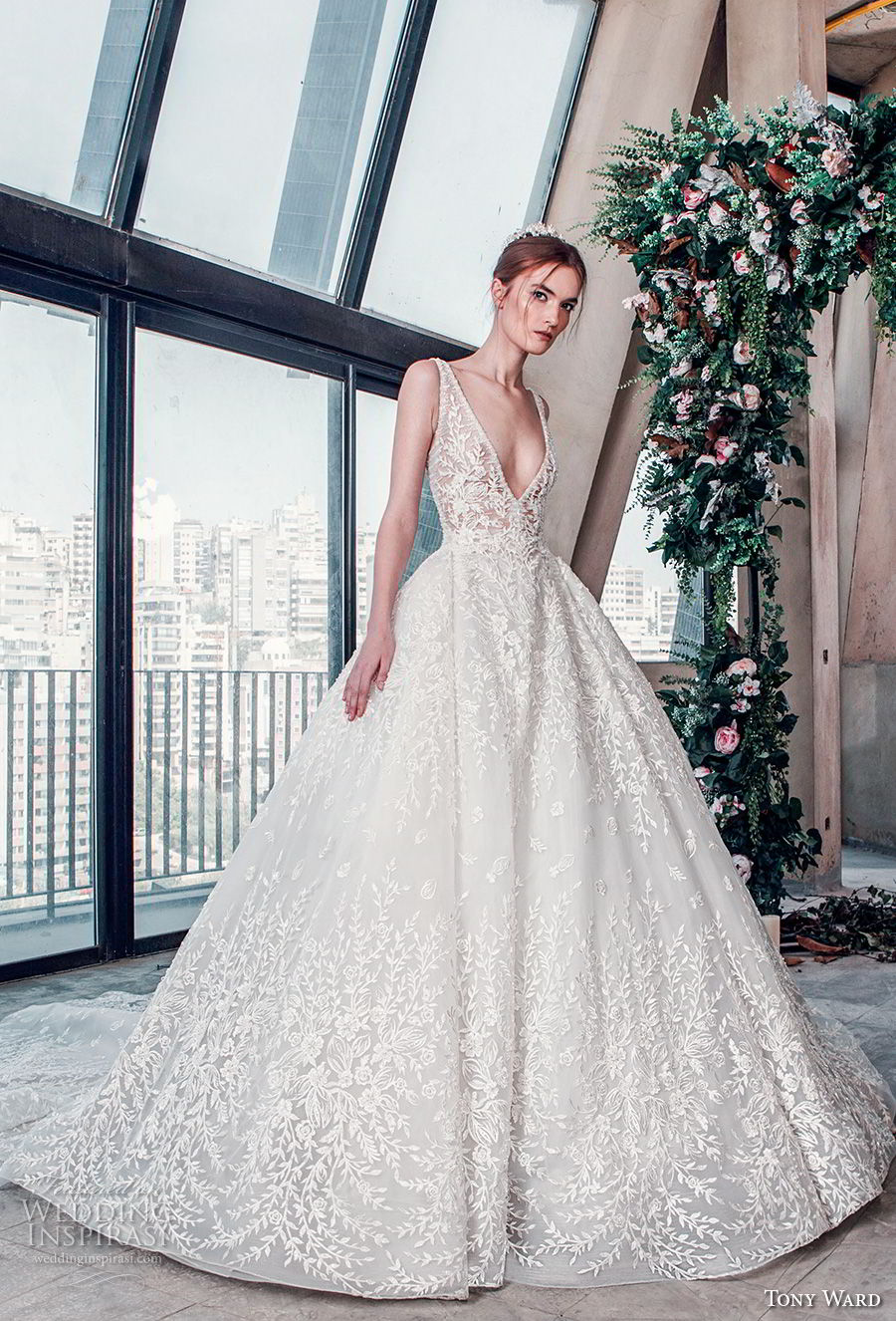tony ward mariee 2019 sleeveless deep v neck full embellishment romantic princess ball gown a  line wedding dress chapel train (12) mv