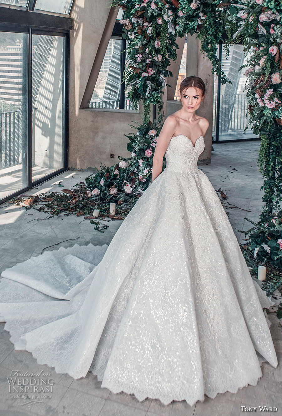 tony ward mariee 2019 strapless sweetheart neckline full embellishment romantic princess ball gown a  line wedding dress chapel train (9) mv
