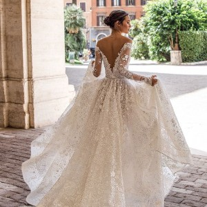 15 regal wedding dresses thumbnail 1000