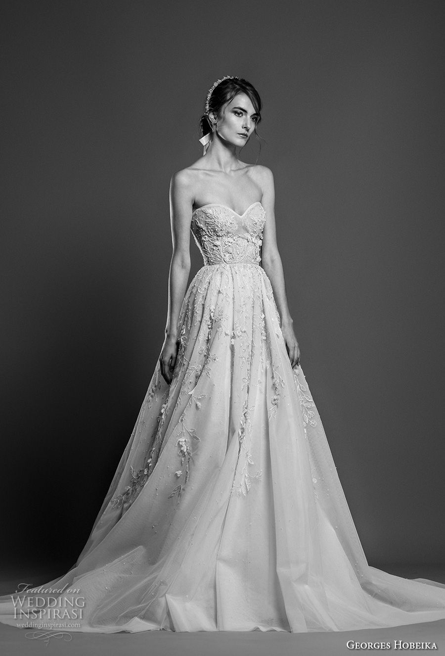 georges hobeika spring 2019 bridal strapless sweetheart neckliness heavily embellished bodice romantic a line wedding dress chapel train (2) mv