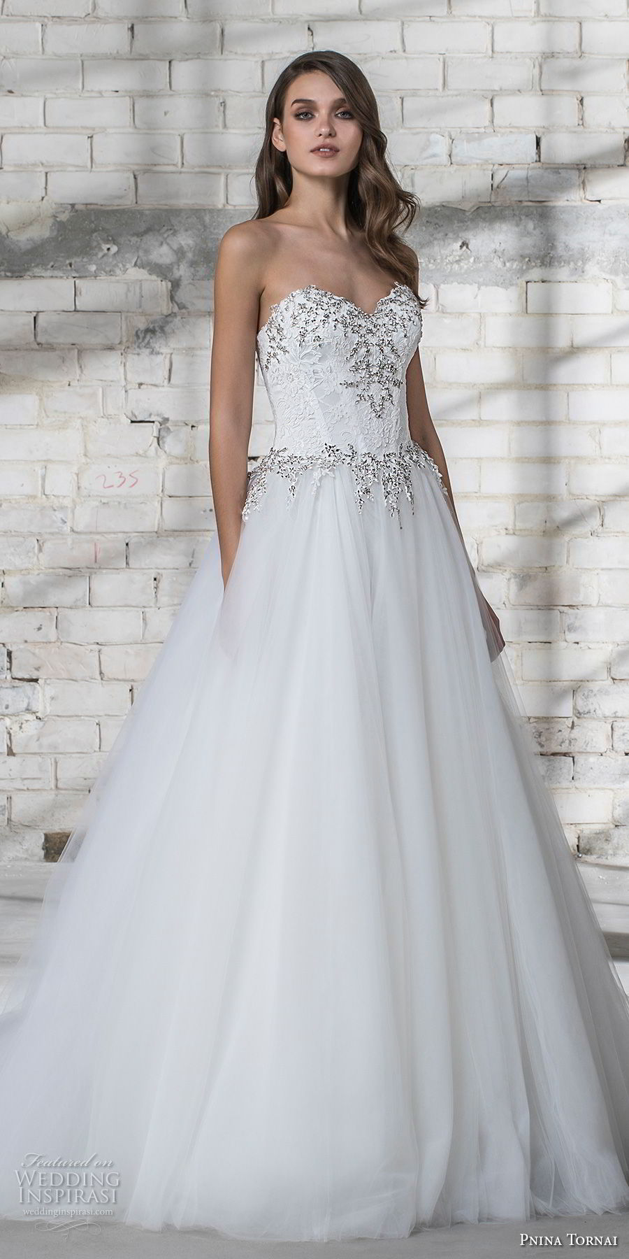 pnina tornai 2019 love bridal strapless sweetheart neckline heavily embellished bodice bustier tulle skirt romantic a line wedding dress chapel train (5) lv