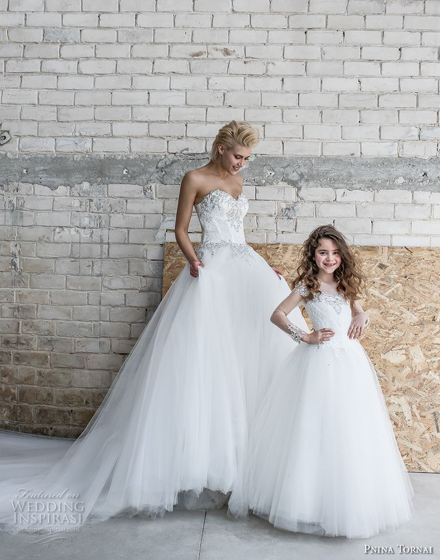 pnina tornai 2019 love bridal strapless sweetheart neckline heavily embellished bodice bustier tulle skirt romantic a line wedding dress chapel train (5) mv