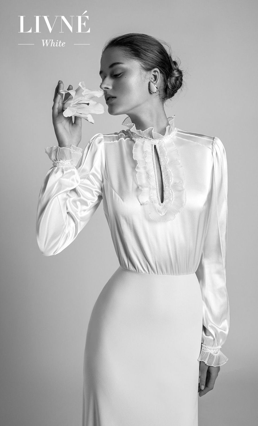 alon livne 2018 2019 white bridal long poet sleeves high neck keyhole bodice clean simple minimalist elegant modern sheath wedding dress (linda) mv