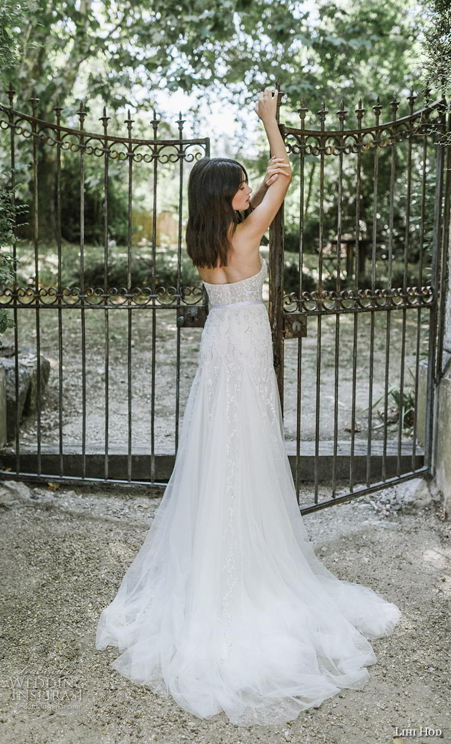 lihi hod 2019 bridal strapless sweetheart neckline full embellishment bustier romantic a  line wedding dress mid back chapel train (5) bv